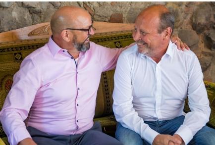 Franz Warger (li) übergibt an der Clubversammlung vom 29. Juni 2021 das Präsidium an seinen Nachfolger Hansjörg Stahel (re).